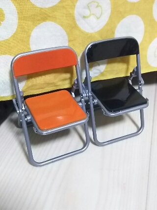 【ミニチュア】リアル折りたたみパイプ椅子、よくできてます!
